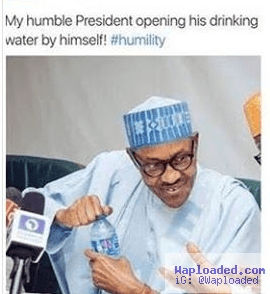 See What President Buhari Did And Someone Called It Humility [Photos]